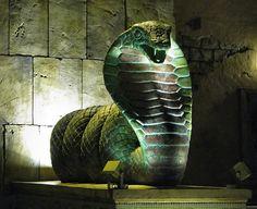 Etana serpent statue
